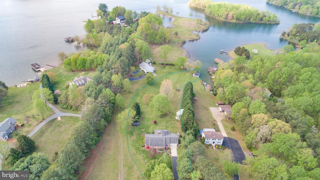 Fabulous waterfront Property in Dukes Plantation - 3600 MORNING GLORY RD, BUMPASS