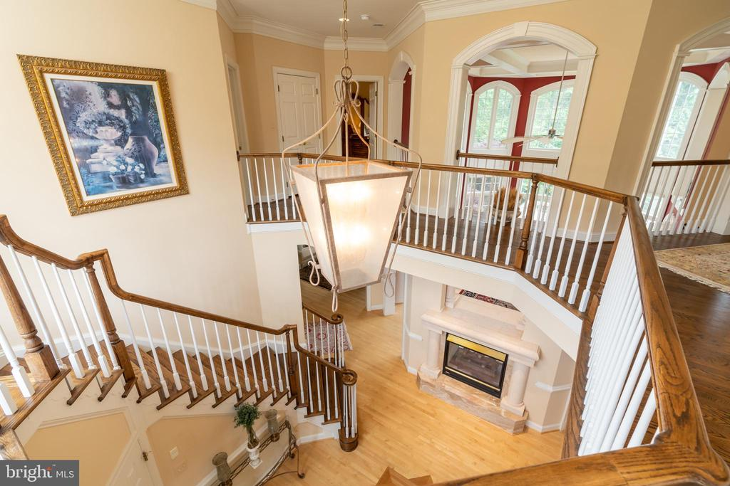 Two-story foyer walkway to the upstairs bedrooms - 3242 FOXVALE DR, OAKTON
