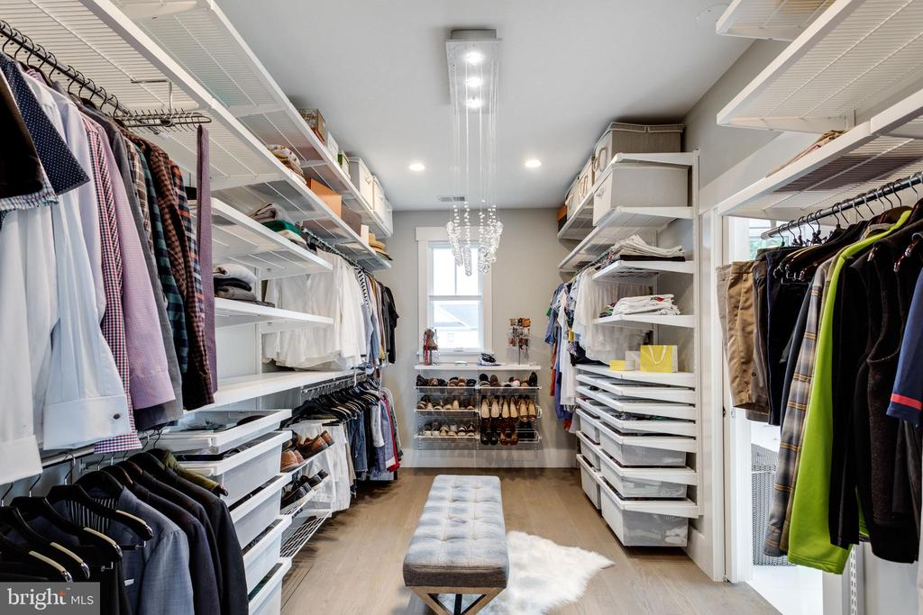Master room walking closet - 1313 N HERNDON ST, ARLINGTON