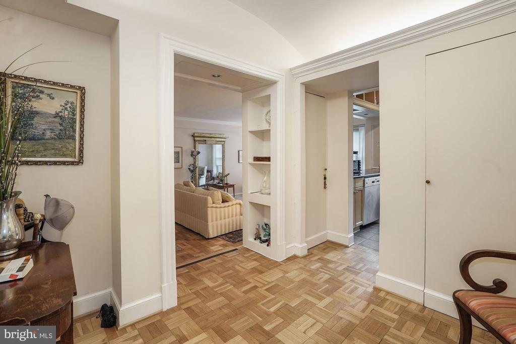 Entry Foyer looking into Living Room and Kitchen - 4000 CATHEDRAL AVE NW #20-21B, WASHINGTON