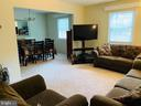 LIVING - 9414 FAIRLEIGH CT, BURKE