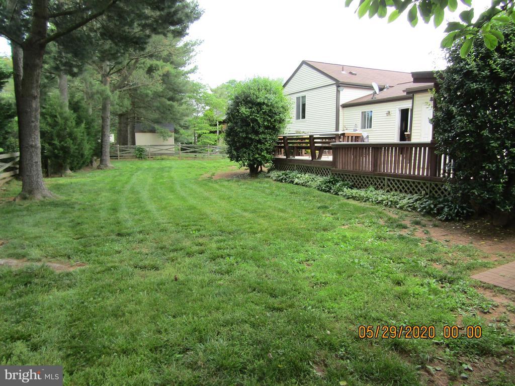 Back Yard View - 13008 ROCK SPRAY CT, HERNDON