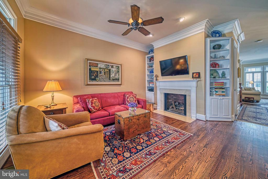 Family Room with built-ins and gas fireplace - 6745 DARRELLS GRANT PL, FALLS CHURCH