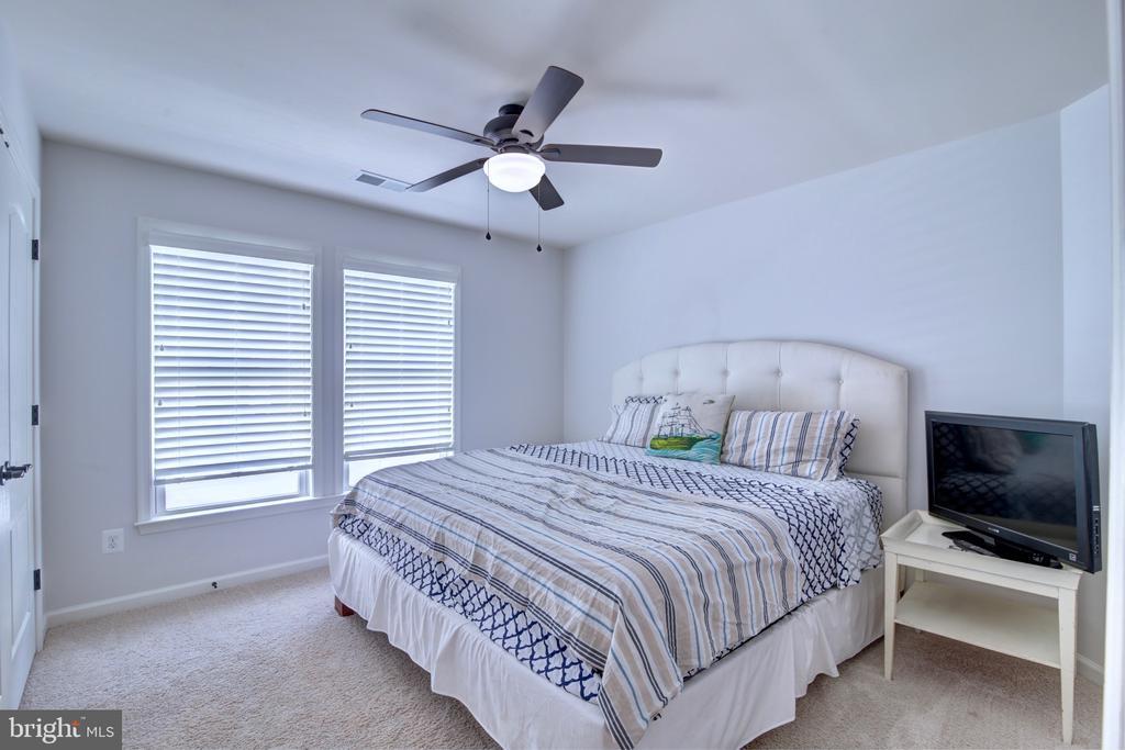 Upstairs Bedroom #3 - 42602 STRATFORD LANDING DR, BRAMBLETON