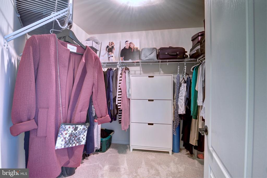 Master Bedroom Walk-In Closet - 42602 STRATFORD LANDING DR, BRAMBLETON