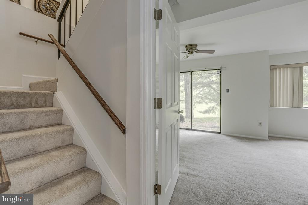 Stairs up from LL Family Room - 18400 STONE HOLLOW DR, GERMANTOWN