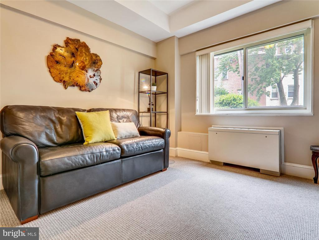 Light-filled 2nd Bedroom - 5315 CONNECTICUT AVE NW #108, WASHINGTON