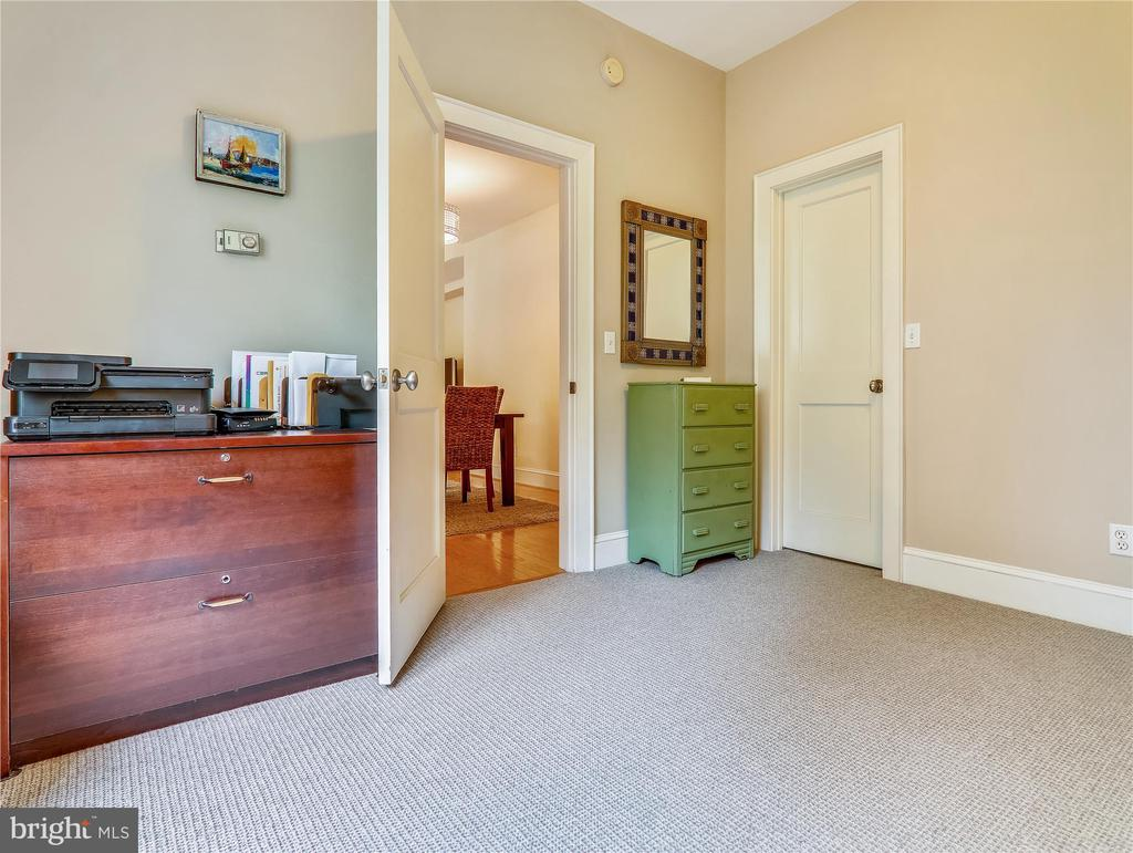 2nd Bedroom with Walk-in Closet - 5315 CONNECTICUT AVE NW #108, WASHINGTON