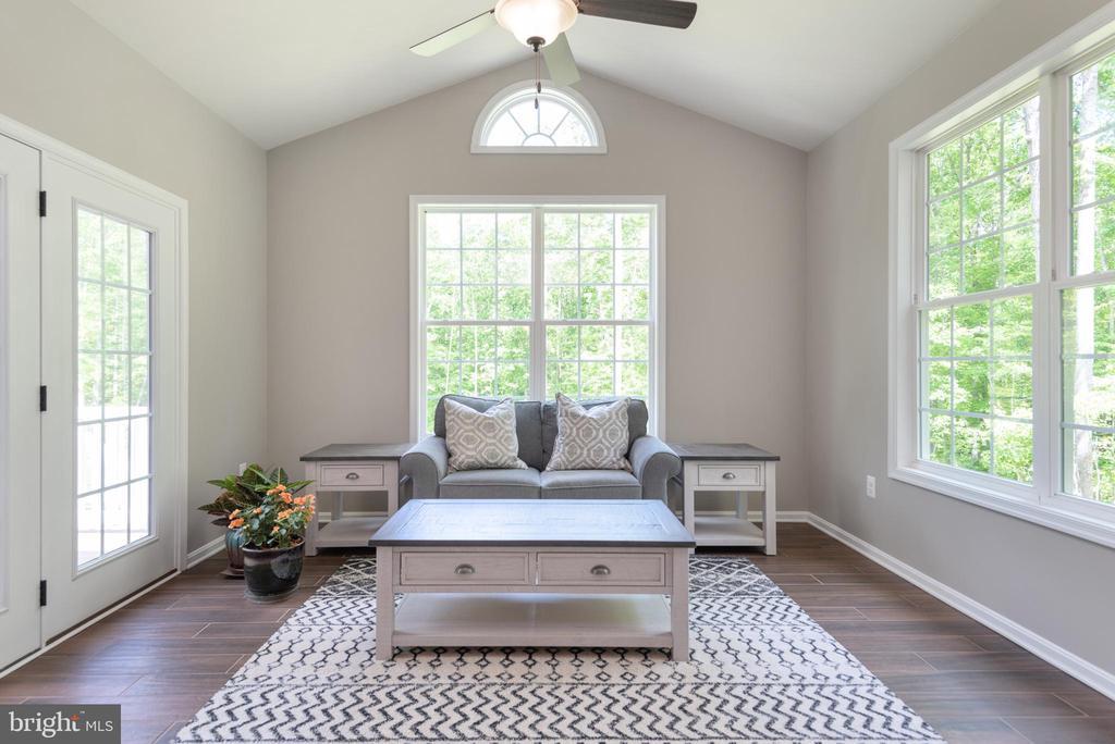 Sunroom with vaulted ceiling - 259 HEFLIN RD, STAFFORD