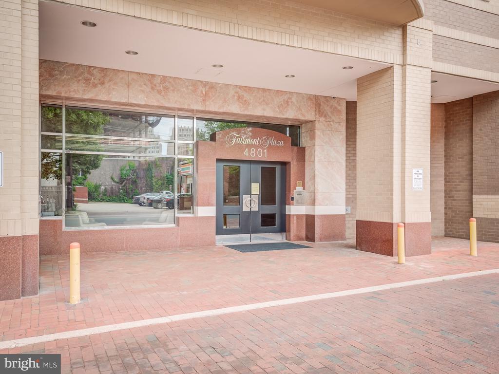 Entrance to building - 4801 FAIRMONT AVE #902, BETHESDA