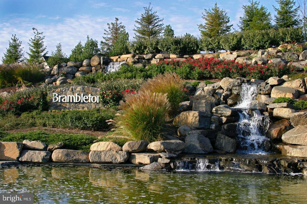 - 42602 STRATFORD LANDING DR, BRAMBLETON