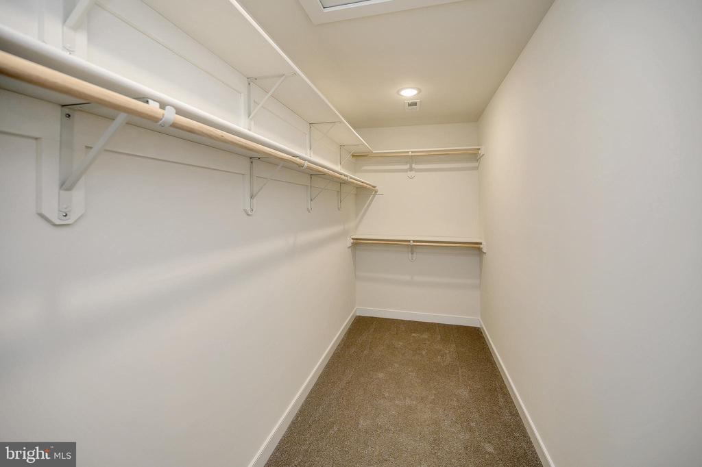 Expansive walk in closet - 34129 ENCHANTED WAY, LOCUST GROVE