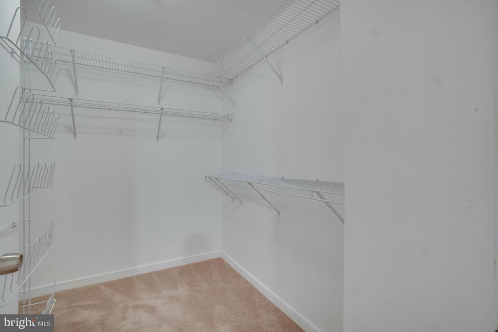 Large walk-in closet, owners suite - 1645 INTERNATIONAL DR #407, MCLEAN