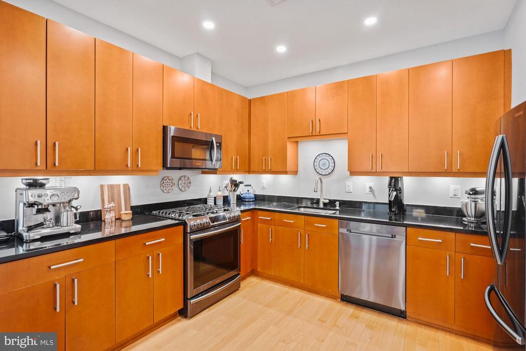 Kitchen  with Black Stainless appliances - 675 E ST NW #350, WASHINGTON