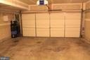 Two-car garage - 605 RAVEN AVE, GAITHERSBURG