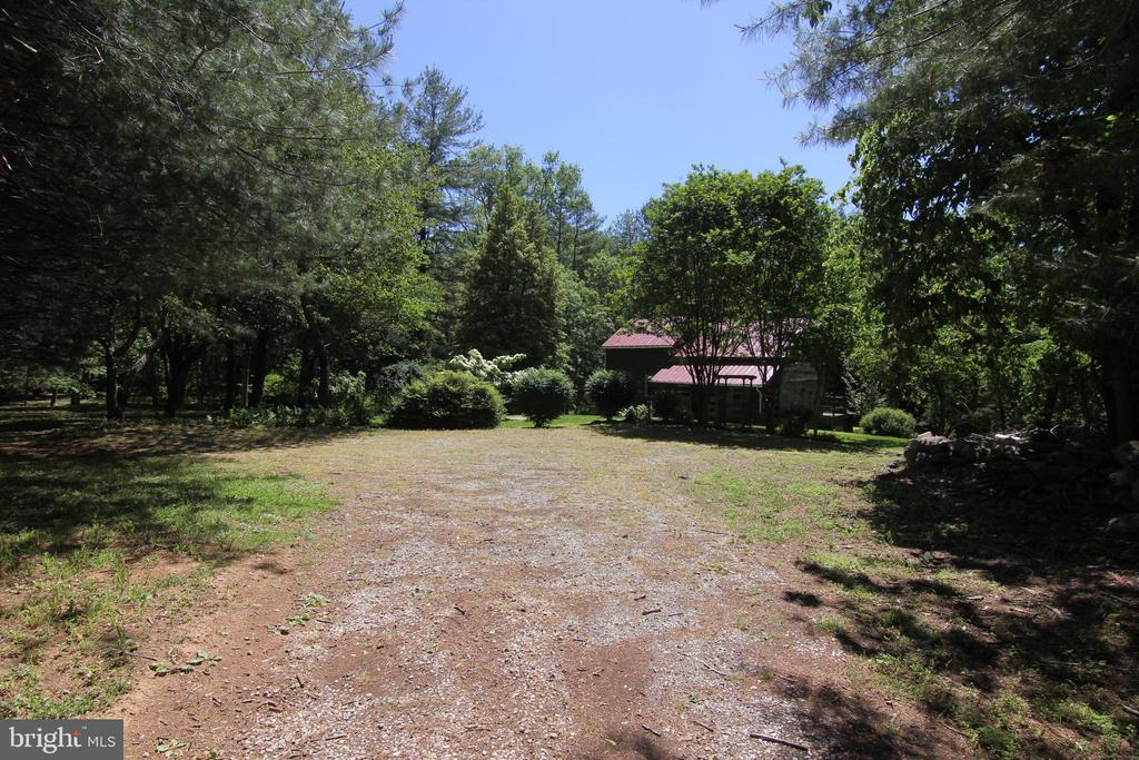 enjoy private peace or have a party - parking!! - 35820 CHARLES TOWN PIKE, HILLSBORO