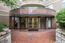Charming Crescent Plaza Secured Entrance - 7111 WOODMONT #701, BETHESDA