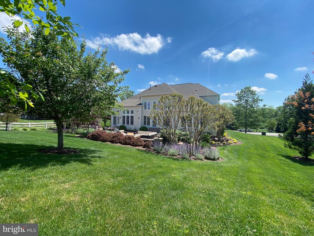 - 21079 MILL BRANCH DR, LEESBURG