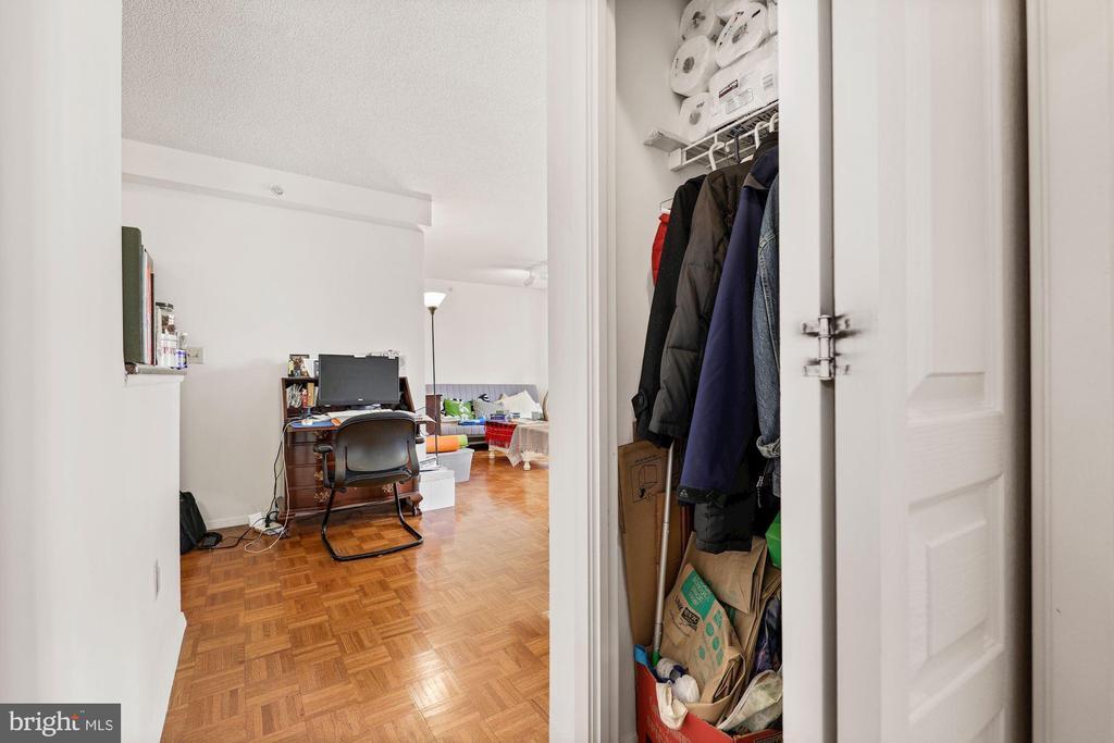 More Closets - 7111 WOODMONT #701, BETHESDA