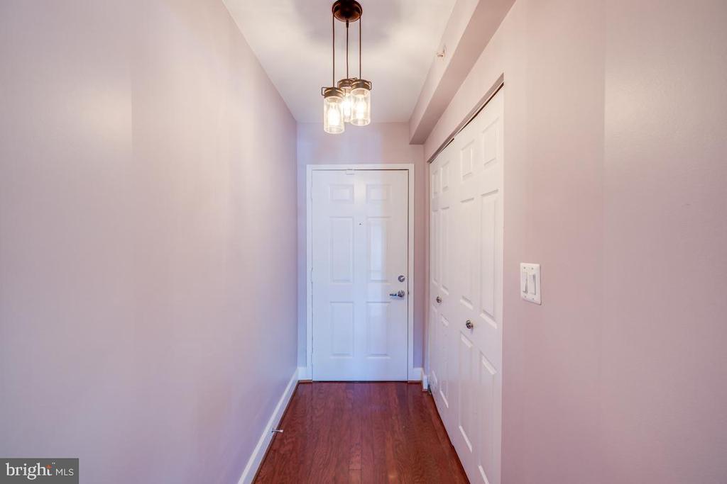 Entry - 3611 38TH ST NW #101, WASHINGTON