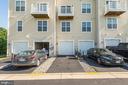 Garage and driveway parking - 43779 KINGSTON STATION TER, ASHBURN