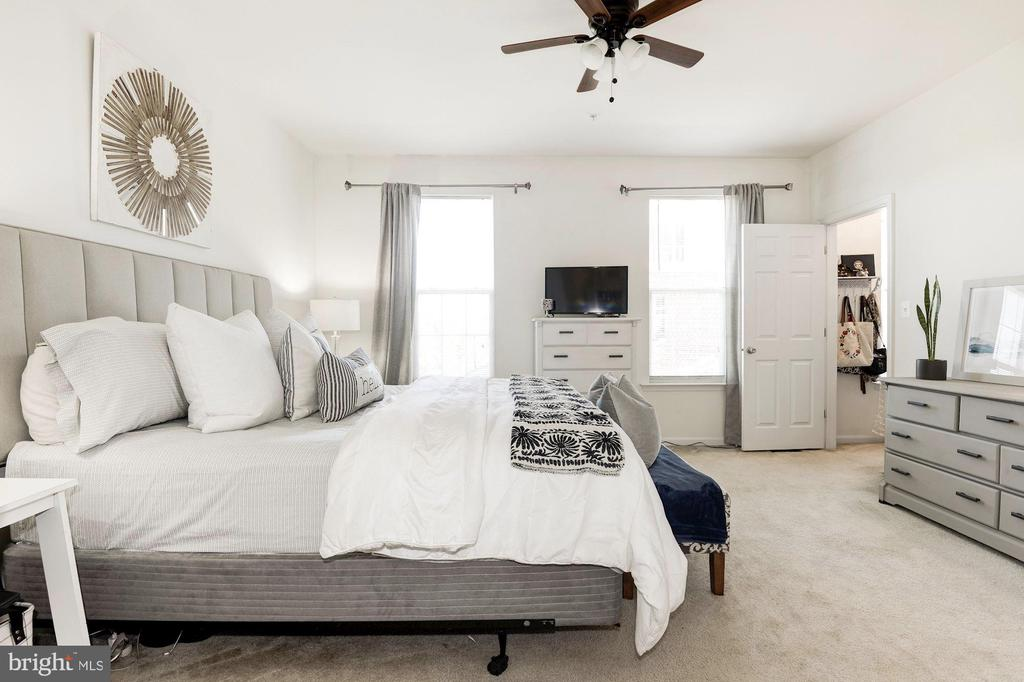 Spacious Master Bedroom - 43779 KINGSTON STATION TER, ASHBURN