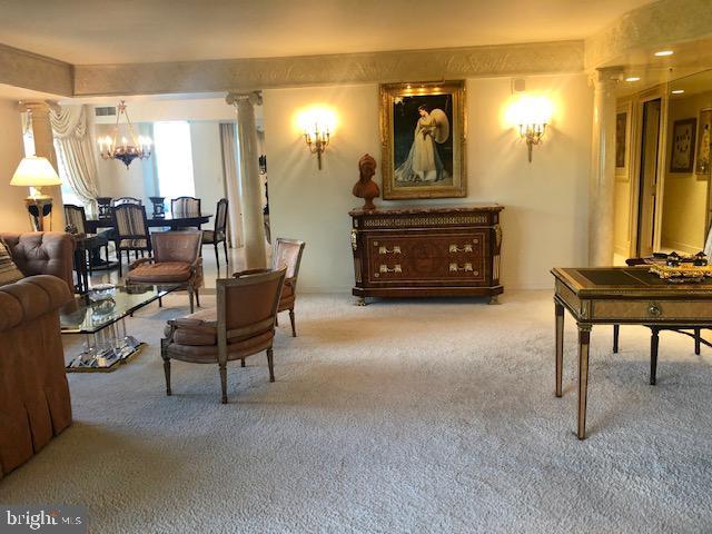 Living Room opens to den - 5809 NICHOLSON LN #409, NORTH BETHESDA