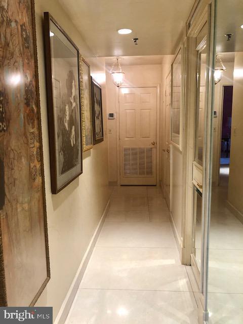Hallway - 5809 NICHOLSON LN #409, NORTH BETHESDA