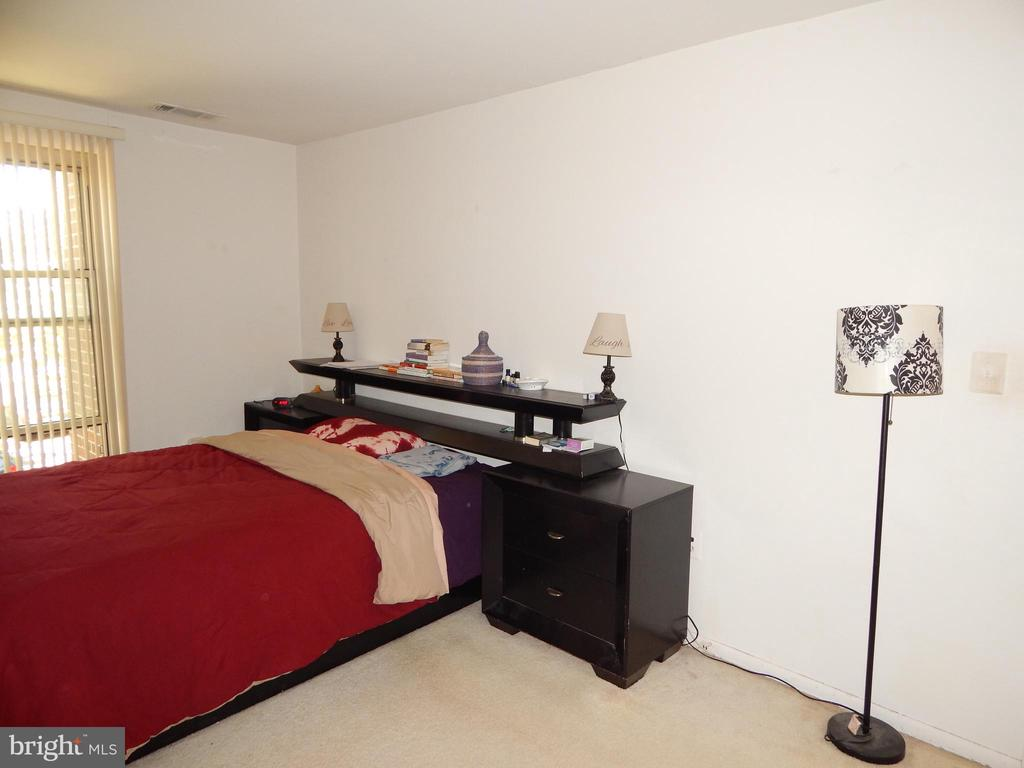 Bedroom View - 3374 WOODBURN RD #24, ANNANDALE