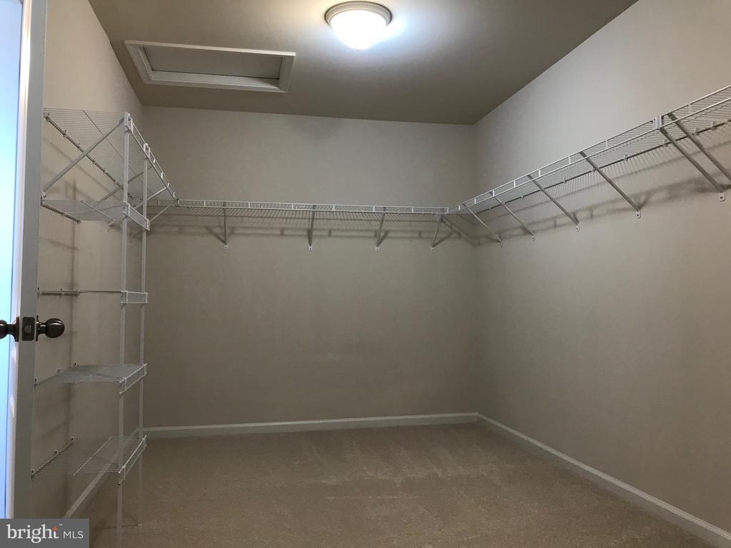 17' x 8 ' Mstr Closet - View of 1/2 - 112 FREESIA LN, STAFFORD