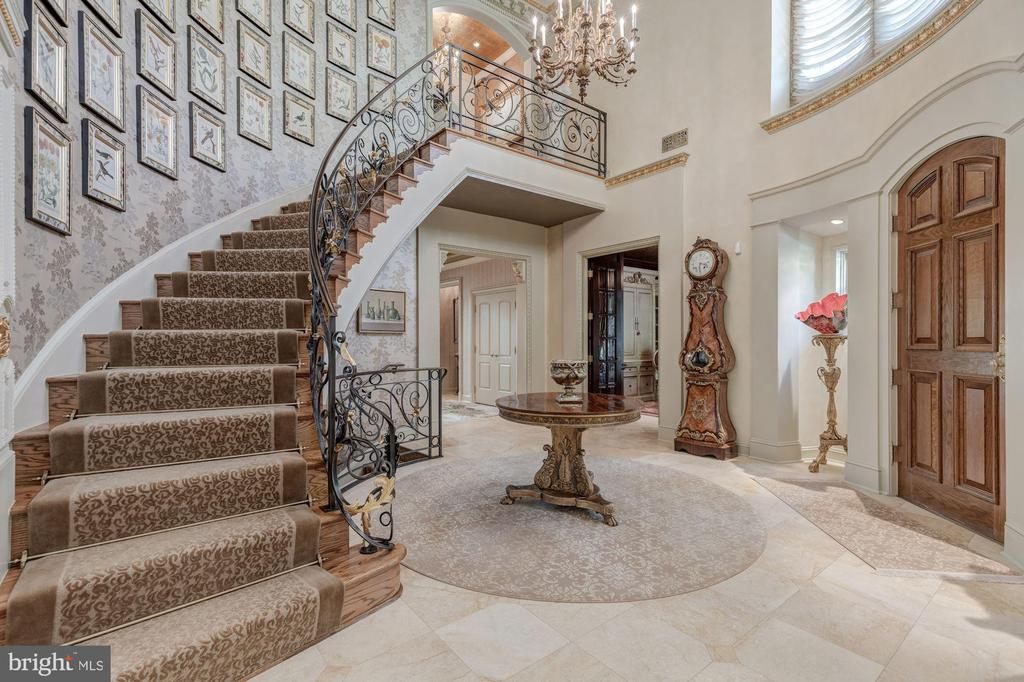 Grand Foyer - 8417 BROOKEWOOD CT, MCLEAN