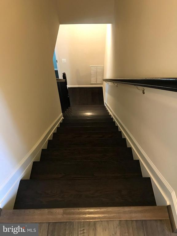 Stairway to 2nd Level - 112 FREESIA LN, STAFFORD