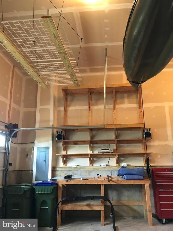 Shelving & rack convey - 112 FREESIA LN, STAFFORD