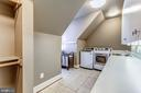 Upper Level Laundry - 606 DEERFIELD POND CT, GREAT FALLS