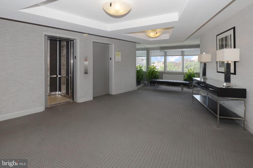 8th Floor Lobby - 1200 N NASH ST #824, ARLINGTON