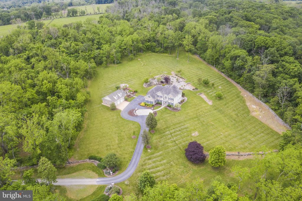 Aerial Front Exterior - 10+ Acres - 40243 FEATHERBED LN, LOVETTSVILLE