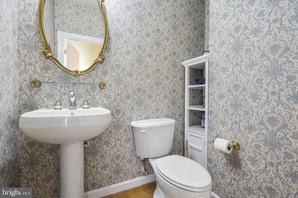 Half Bath - 40243 FEATHERBED LN, LOVETTSVILLE
