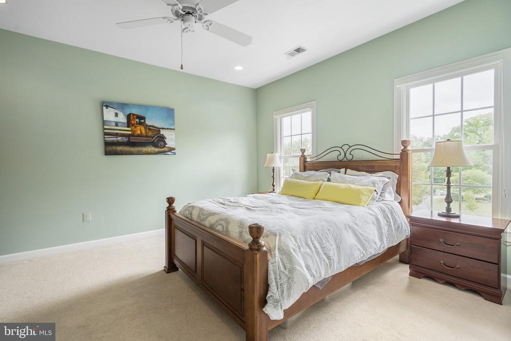 Bedroom - 40243 FEATHERBED LN, LOVETTSVILLE