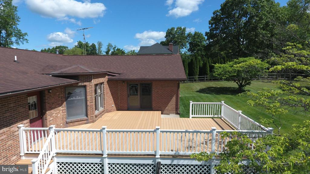 Full Deck from Kitchen to Master Suite - 7839 RIDGE RD, FREDERICK