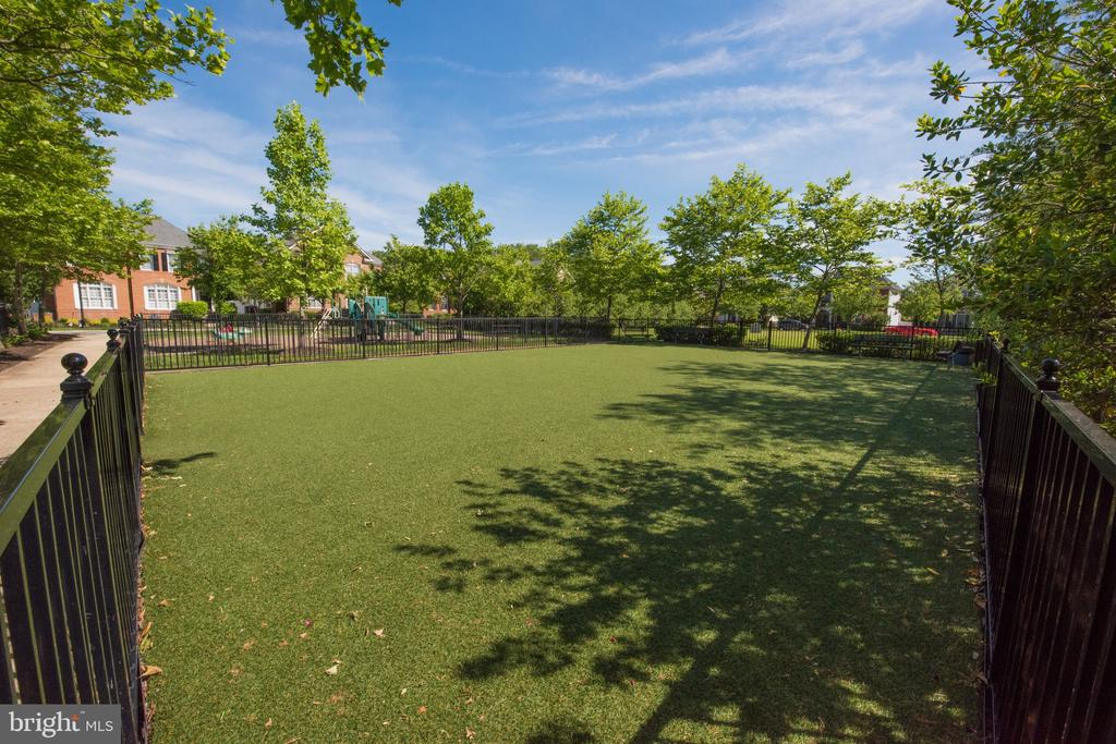 First Community Playground/Recreational Area - 717 CRISFIELD WAY, ANNAPOLIS