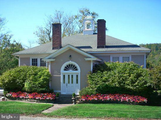 Single Family Homes 为 销售 在 长谷, 新泽西州 07853 美国