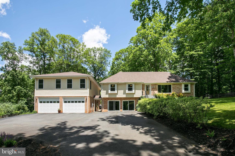 Single Family Homes für Verkauf beim Clifton, Virginia 20124 Vereinigte Staaten