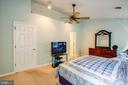 Master Bedroom w/vaulted ceiling - 700 CLUB HOUSE RD, FREDERICKSBURG