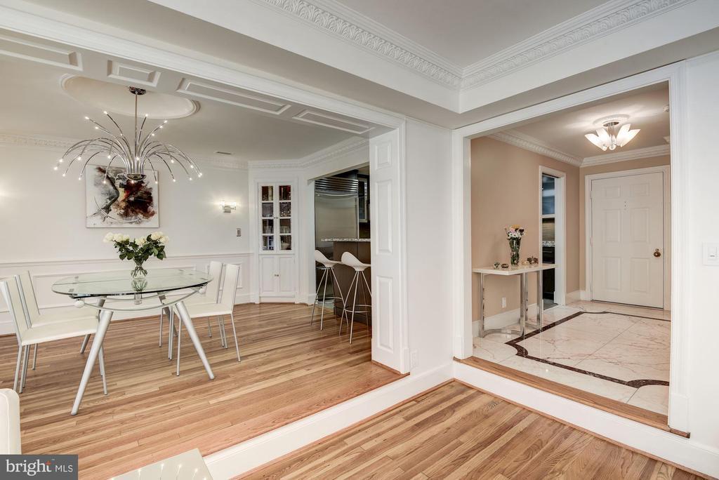 Dining Room-Foyer - 11410 STRAND DR #R-112, NORTH BETHESDA