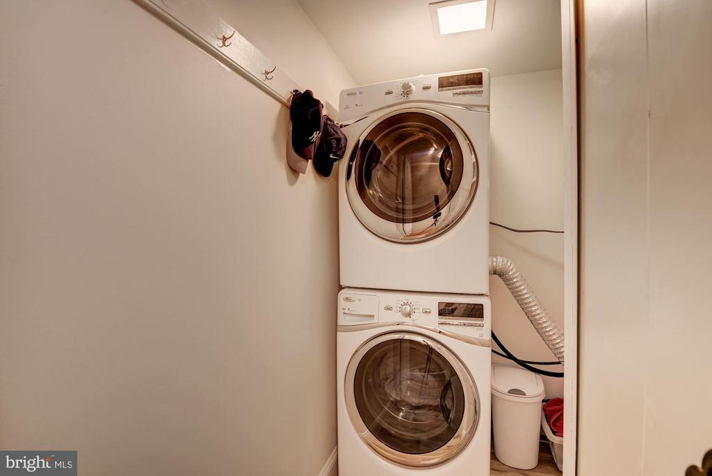 In-Unit Laundry Facilities - 11410 STRAND DR #R-112, NORTH BETHESDA