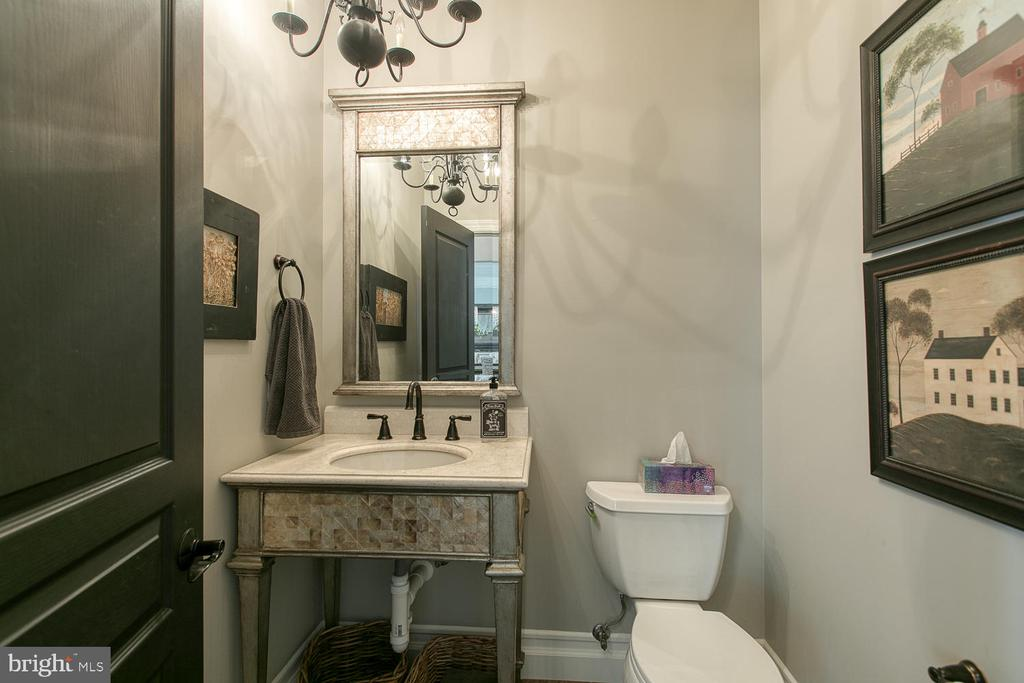 Powder Room - 21079 MILL BRANCH DR, LEESBURG