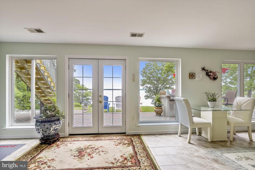 Lower level rec room with a wall of windows! - 19 POTOMAC OVERLOOK LN, STAFFORD