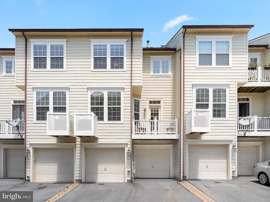 Two Car Attached Garage - 8903 AMELUNG ST, FREDERICK