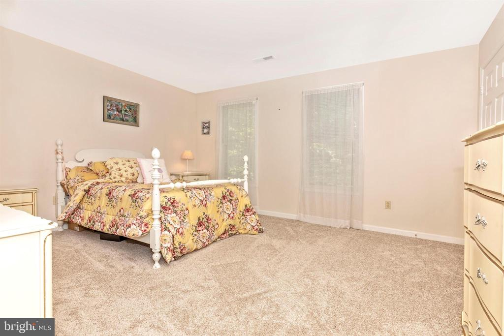 Bedroom 3 - 13729 SAMHILL DR, MOUNT AIRY