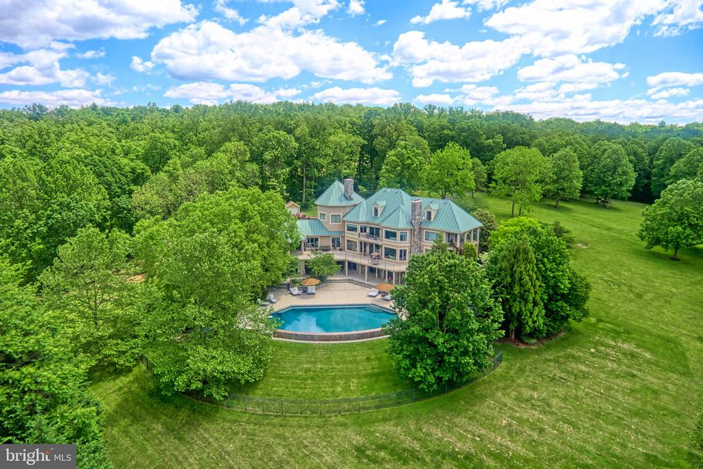 Imposing and impeccable - 19.3 acres and 11,700SF - 40310 HURLEY LN, PAEONIAN SPRINGS